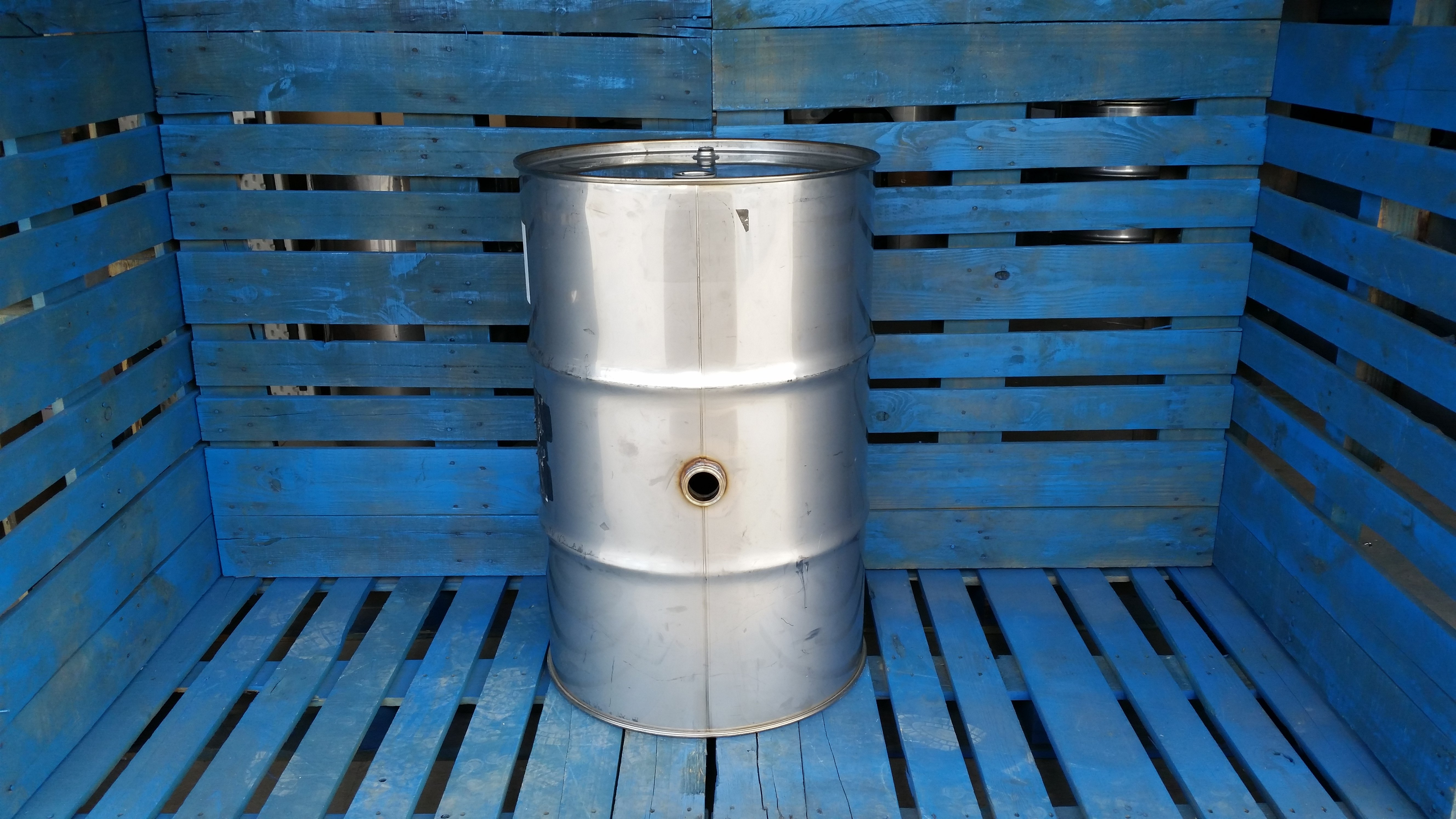 55 Gallon Used Stainless Steel Barrel 2 Fitting Middle